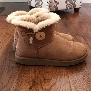 "Ugg ""Mini Bailey Button"" boot"